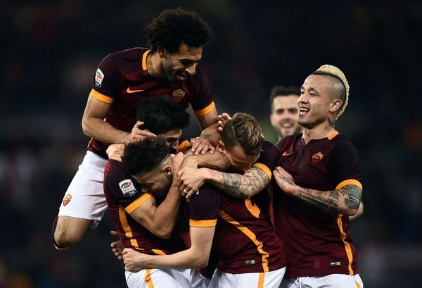 6287df43e6 Le pagelle Roma-Fiorentina 4-1, Perotti, El Shaarawy e Salah fanno ...